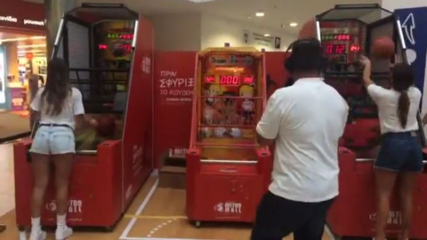 Mπασκετομαχίες Βαλαβάνη,Κρεμλίδου και Τούμπανη στο event του ΣΠΟΡ FM στο Athens Metro Mall (vids)