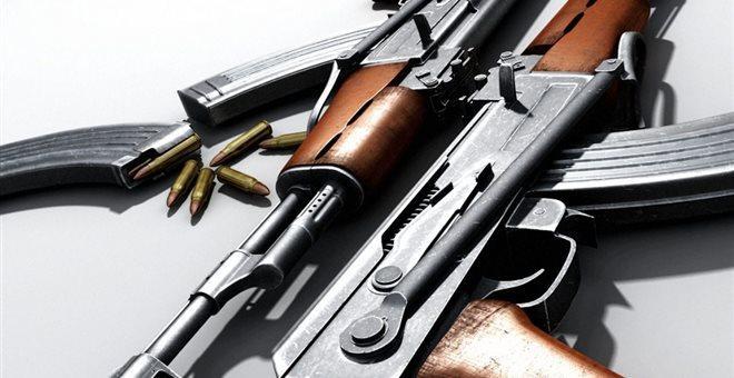 Μικρό οπλοστάσιο ανακάλυψαν σε έφοδο οι αστυνομικές αρχές της Θεσσαλονίκης