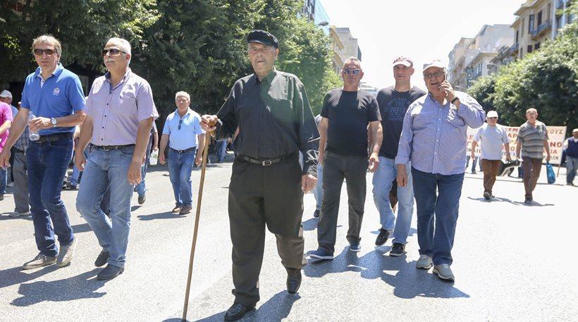 Το υπ. Οικονομικών «αδειάζει» Κατρούγκαλο: Δώσαμε κίνητρα για φοροδιαφυγή