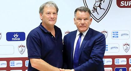 Κούγιας: «Δεν είναι Μουρίνιο ή Γκουαρντιόλα, αλλά είναι κανονικός προπονητής»