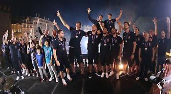 Αποθεώθηκαν οι «ασημένιοι» Σέρβοι