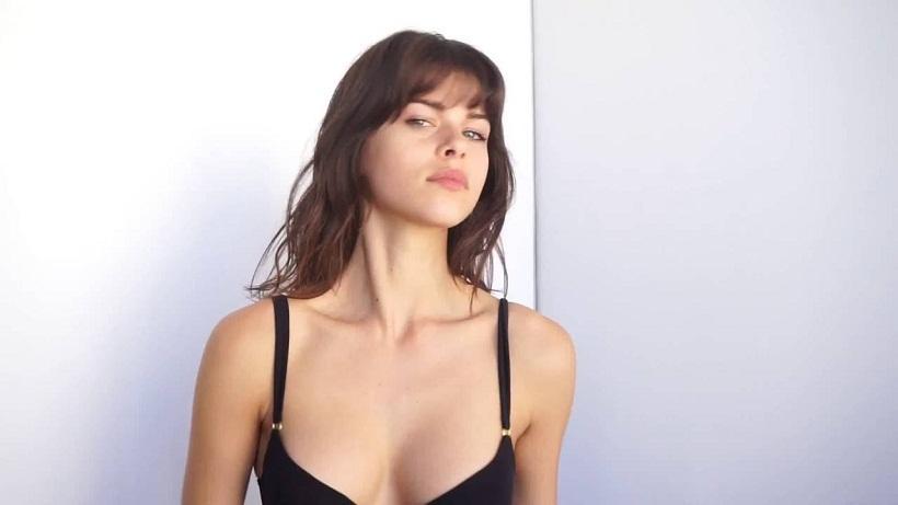 Το φόρεμα-ακτινογραφία του τοπ-μόντελ που προκάλεσε «ζαλάδες»