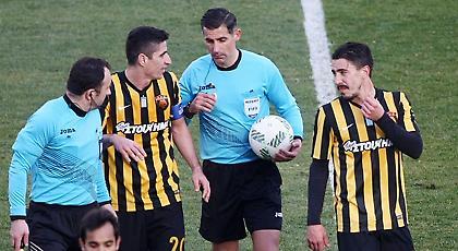 Ένα πέναλτι η ΑΕΚ σε 20 εντός έδρας ντέρμπι με Ολυμπιακό από το 1995