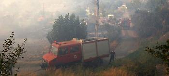 Σε πλήρη εξέλιξη πυρκαγιά στα Φάρσαλα -Στο σημείο 16 πυροσβέστες και 5 οχήματα