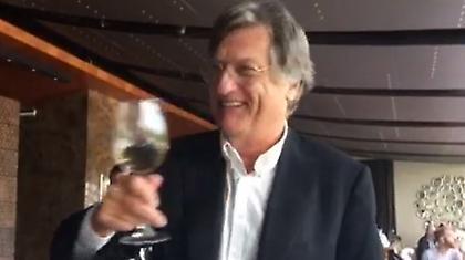 Τρομερός ο αντιπρόεδρος της Αούστρια: Mίλησε στα ελληνικά στους ανθρώπους της ΑΕΚ (video)
