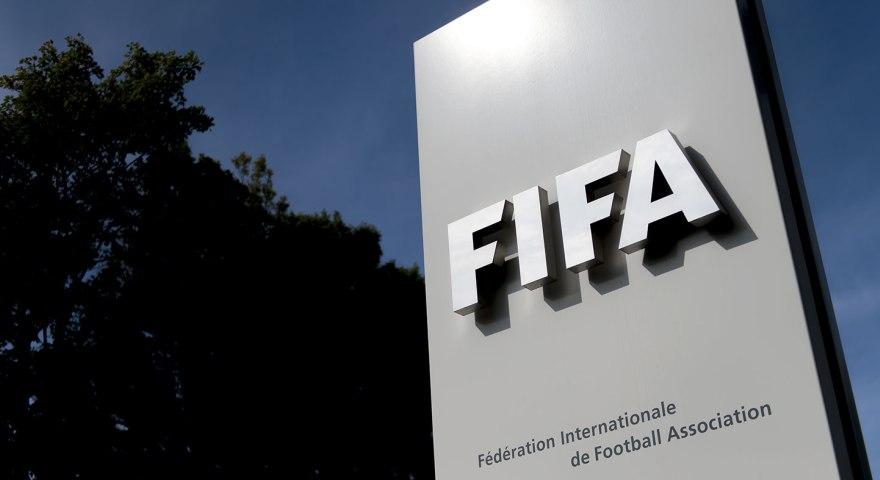«Χάος στην Ελλάδα, καθώς η Επιτροπή Εξομάλυνσης της UEFA απέτυχε να καθαρίσει το ποδόσφαιρο»!