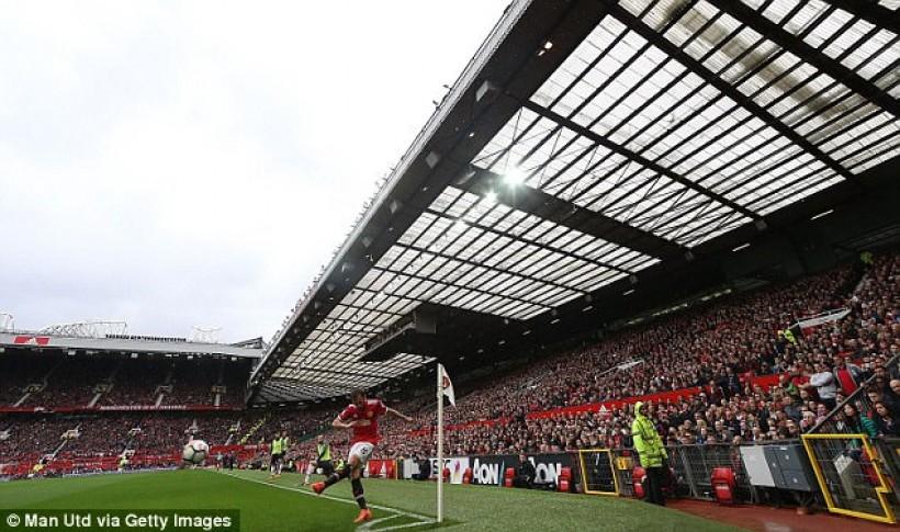 Μεγαλώνει το Sir Bobby Charlton Stand η Γιουνάιτεντ