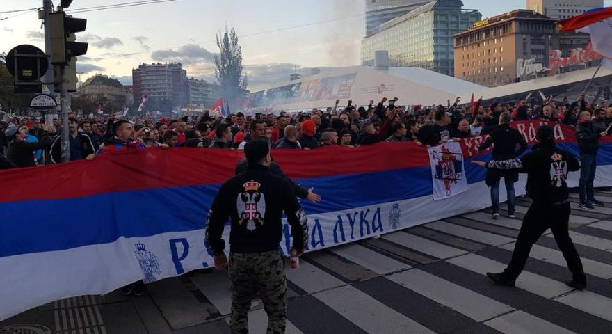 «Απόβαση» 30.000 Σέρβων στην Αυστρία! (pics/video)