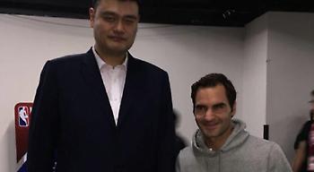 Επικό ποστάρισμα Φέντερερ για τη διαφορά ύψους με τον Γιάο Μινγκ (pic)