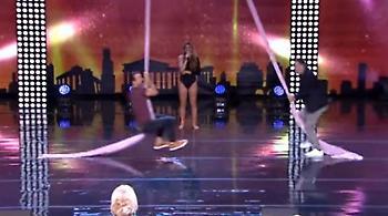 Σάκης Τανιμανίδης- Γιώργος Καπουτζίδης: «Χορεύουν» on camera στον αέρα