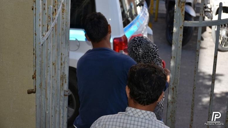 Η αδιανόητη κίνηση μετανάστριας στη Χίο κατά του παιδιού της