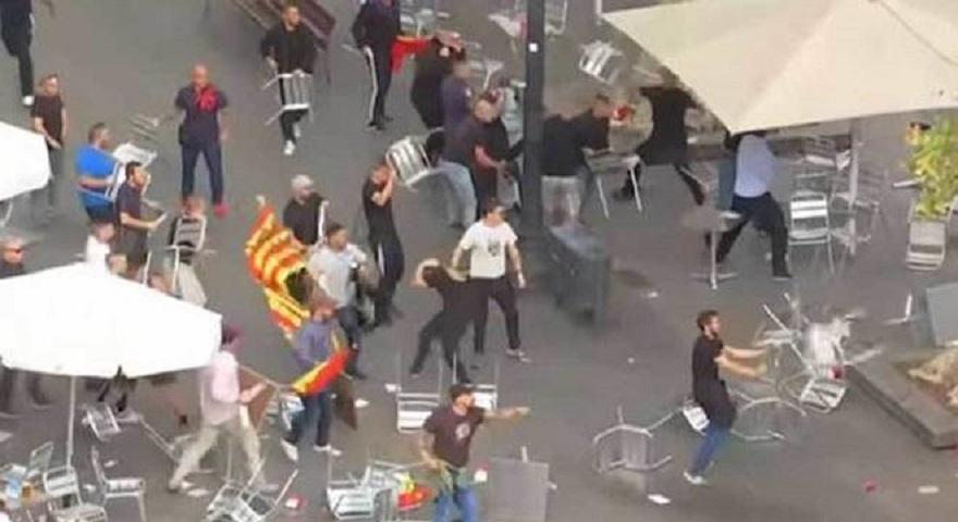 Χάος ανάμεσα σε ακροδεξιούς χούλιγκαν των Βαλένθια και Ατλέτικο και οπαδούς της Σαμπαντέλ (video)