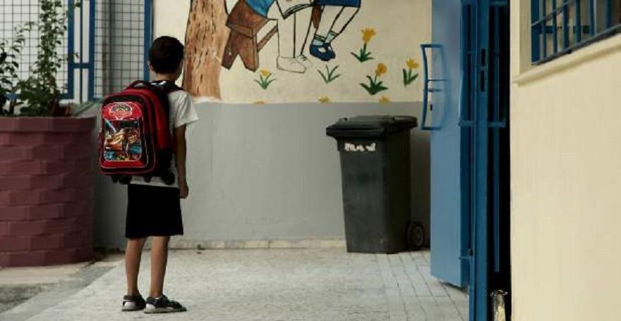Θρίλερ στο Αγρίνιο με τη ναφθαλίνη: Δέκα επιθέσεις σε σχολεία μέσα σε λίγες μέρες