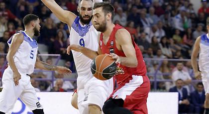 Πρόβλημα με Μάντζαρη στον Ολυμπιακό!