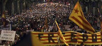Βαρκελώνη: 200.000 διαδηλωτές ενάντια στη σύλληψη δύο αυτονομιστών Καταλανών ηγετών