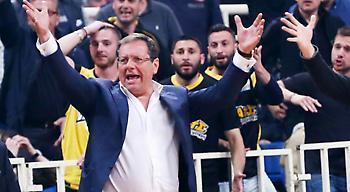 Στα αποδυτήρια της ΑΕΚ ο Αγγελόπουλος!