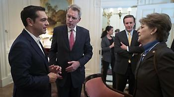 Συνάντηση Τσίπρα με μέλη της επιτροπής Εξωτερικών Υποθέσεων της Αμερικανικής Γερουσίας