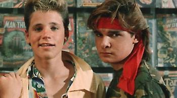 The Lost Boys: Έτοιμο να «σκάσει» σκάνδαλο παιδοφιλίας στο Χόλιγουντ μετά τον Γουάινσταϊν;