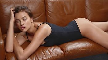 Σέξι και με... κοστούμι η Ιρίνα Σάικ (pics)