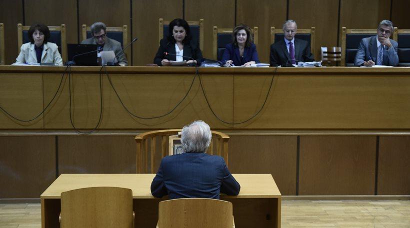 Δίκη Χρυσής Αυγής: Αυτοπρόσωπη εμφάνιση των προστατευόμενων μαρτύρων ζήτησε η εισαγγελέας