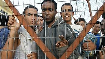 «Αγκάθι» το προσφυγικό για τη νέα κυβέρνηση Μέρκελ