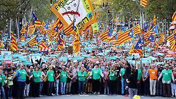 Βαθαίνει η κρίση: Πραξικόπημα Ραχόι καταγγέλλουν οι Καταλανοί