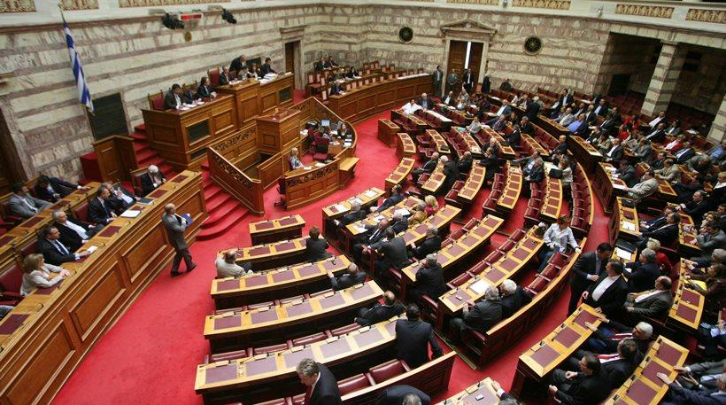 ΣΥΡΙΖΑ: «Πολιτικά ανήθικες οι προσφυγές πρώην βουλευτών για τις αποδοχές τους»
