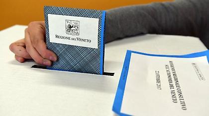 Συντριπτικό το «ναι» στα δημοψηφίσματα για αυτονομία σε Βένετο και τη Λομβαρδία