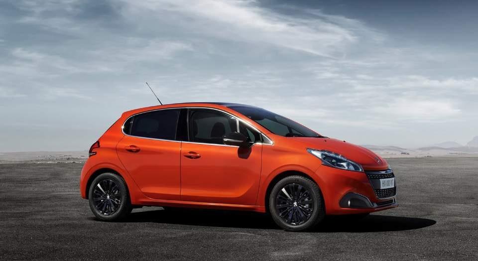 Peugeot 208: Με δώρο ο πλοηγός και η κάμερα οπισθοπορείας