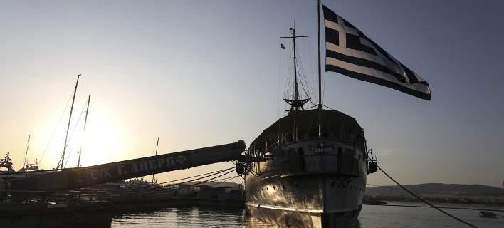 O Προκόπης Παυλόπουλος θα παρασημοφορήσει τη σημαία του θωρηκτού Αβέρωφ
