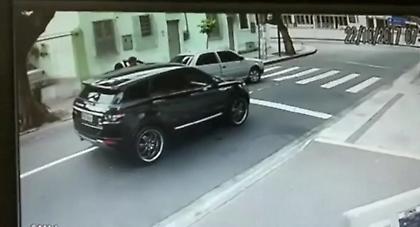 ΒΙΝΤΕΟ-ΣΟΚ: Σταμάτησαν με όπλα γνωστό τερματοφύλακα και του έκλεψαν το αυτοκίνητο!
