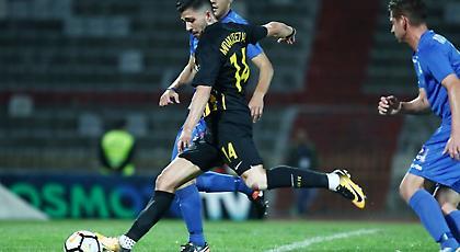 «Παστέλι» του Μπακασέτα και 4-0 η ΑΕΚ (video)