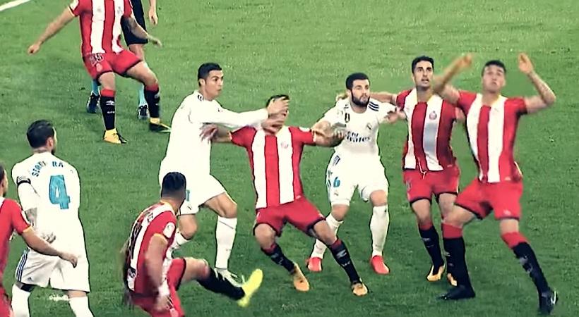 Εκτός φάσης χτύπημα Ρονάλντο σε αντίπαλο και κίνδυνος τιμωρίας (video)