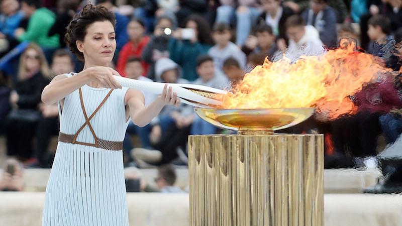 Παραδόθηκε στη Νότια Κορέα η Ολυμπιακή Φλόγα (pics)