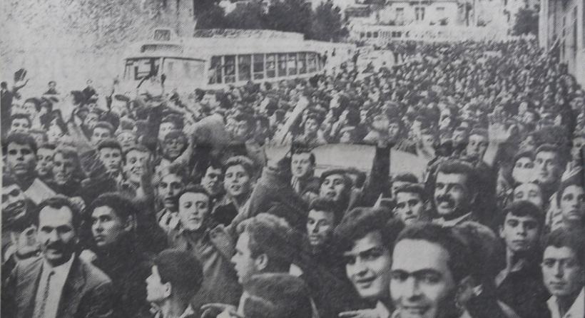 Η πορεία χιλιάδων οπαδών του Ολυμπιακού στη Λεωφόρο Αλεξάνδρας