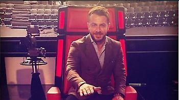 Ο Γιώργος Αγγελόπουλος στην καρέκλα του «Voice»