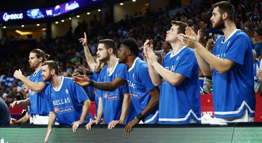 Οι Έλληνες ψήφισαν: «Οι ομάδες πρέπει να αφήσουν τους παίκτες να παίξουν στις εθνικές τους»