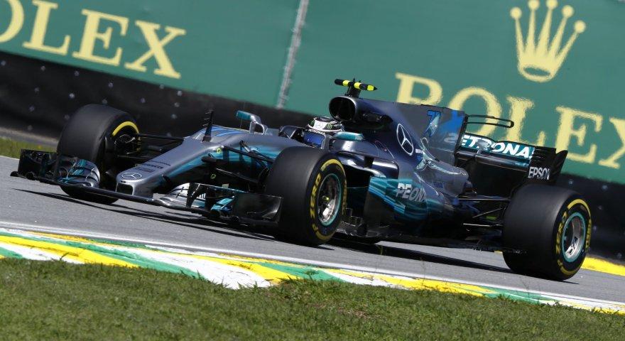 Πήρε την pole position ο Μπότας, στον… πάτο ο Χάμιλτον!