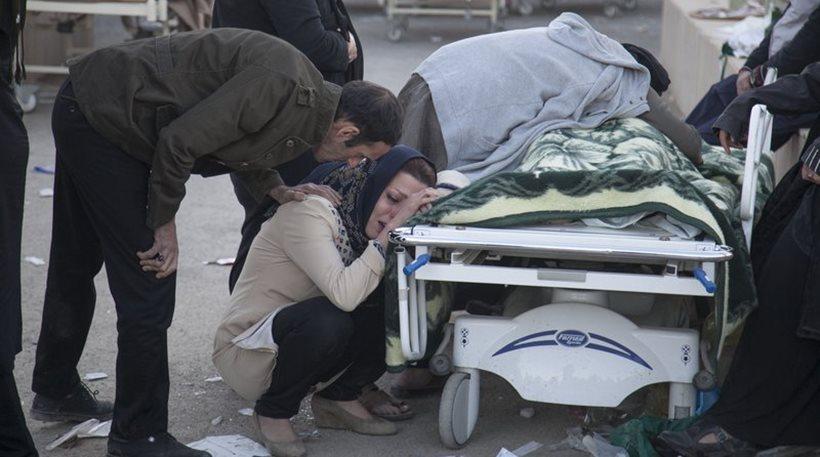 Τραγικός ο απολογισμός από τον σεισμό στο Ιράν: 450 νεκροί και 7.000 τραυματίες