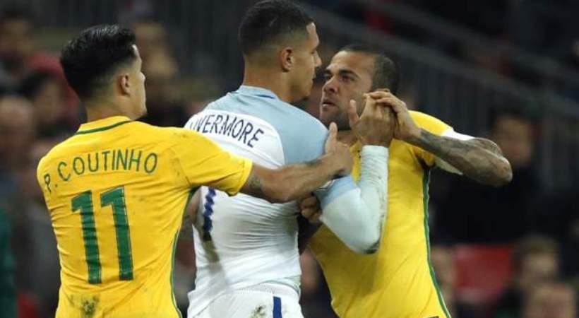 Έπλασαν… κουλουράκια Αγγλία και Βραζιλία (video)