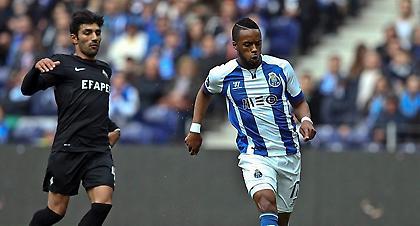 A Bola: «Ο Λυμπερόπουλος έχει ήδη μεταφέρει στην Πόρτο το ενδιαφέρον για Ερνάνι»