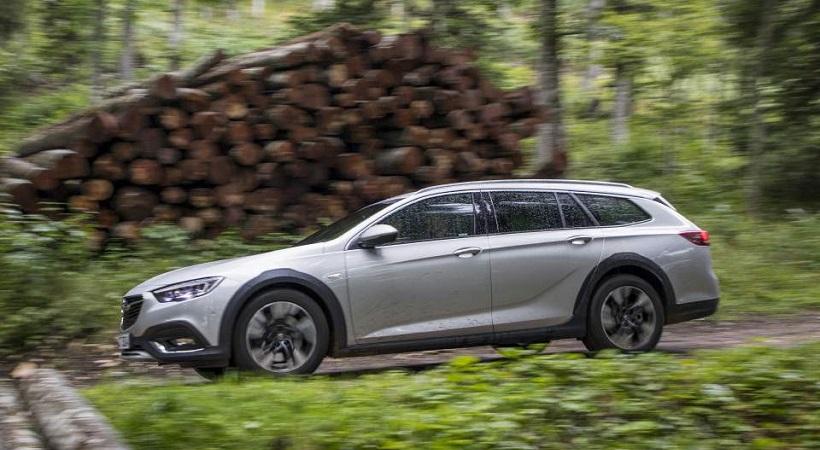 Το Opel Insignia Country Tourer ολοκληρώνει την παρέα