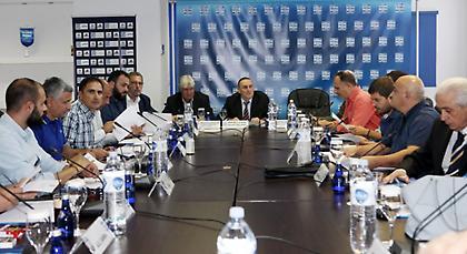 Άμεση συνάντηση με NOVA η Super League, δεν δέχεται τα 30 εκατ.