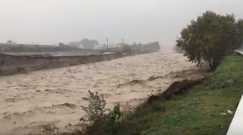 Εικόνες Κατακλυσμού στην Κατερίνη: Τουλάχιστον 56 διασώσεις - 480 κλήσεις για απάντληση υδάτων