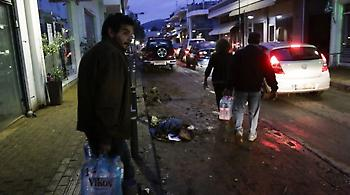 Δυτική Αττική: Για τρίτη νύχτα μέσα στις λάσπες, χωρίς νερό και ηλεκτρικό