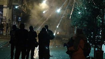 Δεκαέξι συλλήψεις και 23 προσαγωγές στα επεισόδια χθες στα Εξάρχεια
