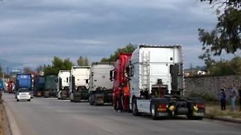 Πορεία 75 φορτηγών στην Πάτρα, διέσχισαν όλη την πόλη (video)