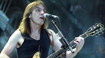 Πέθανε ο συνιδρυτής και κιθαρίστας των AC/DC, Μάλκολμ Γιανγκ