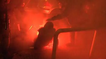 Διασωληνωμένη στη ΜΕΘ η δικηγόρος που χτυπήθηκε από φωτοβολίδα στα Εξάρχεια
