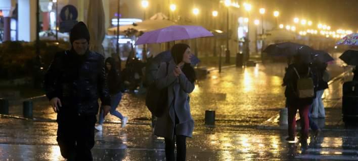 Άστατος καιρός με βροχές και ισχυρές καταιγίδες (video)